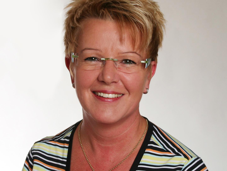 Monika Koller Leiterin Lager und Logistik koller@careproduct.ch - m_koller